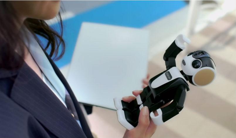 sharp-robot-smartphone.jpg
