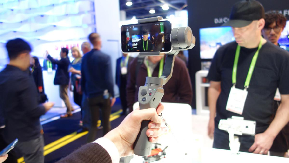Dji Osmo Mobile 2 Hands On Djis Newest Smartphone Gimbal Revealed Free Base At Ces 2018