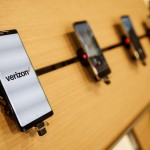 A Samsung Electronics Co. Galaxy Note 8 smartphone is displayed for sale at a Verizon Communications Inc. store in Brea, California, U.S., on Monday, Jan. 22, 2018. Verizon is scheduled to release earnings figures on January 23. Photographer: Patrick T. Fallon/Bloomberg via Getty Images