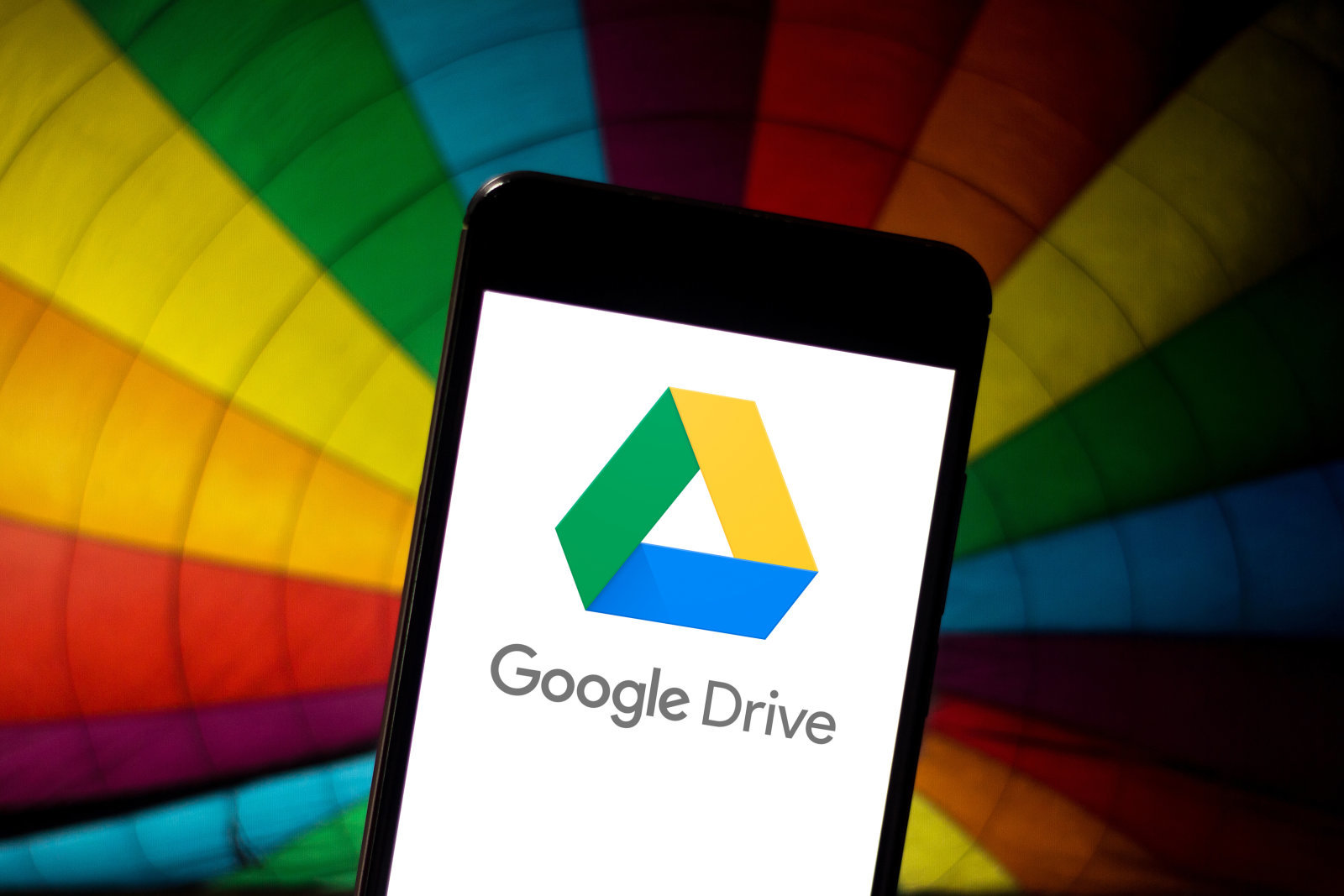 BRAZIL - 2019/05/21: In this photo illustration the Google Drive logo is seen displayed on a smartphone. (Photo Illustration by Rafael Henrique/SOPA Images/LightRocket via Getty Images)