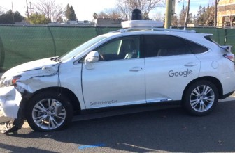 Watch Google's self-driving car hitting a bus in Mountain View
