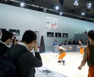 Mirrorless cameras best bet for industry's recovery