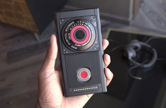 Video: First hands-on with the modular RED Hydrogen One holographic smartphone