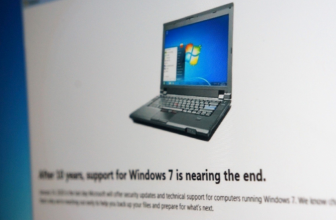 Windows 7 message alerts users to the end of security updates