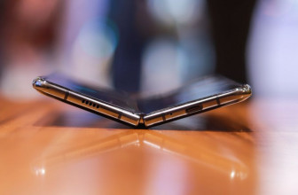 Foldable smartphone display market to 'explode' in 2020