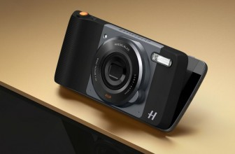 The Hasselblad True Zoom makes the Moto Z look and feel like a real camera