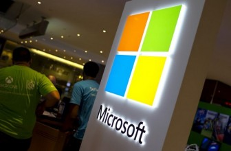 Microsoft Paying Woman $10,000 for Force Installing Windows 10: Report