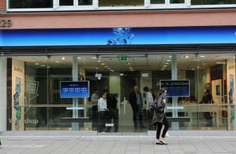 Mobile Phones Direct signs up O2