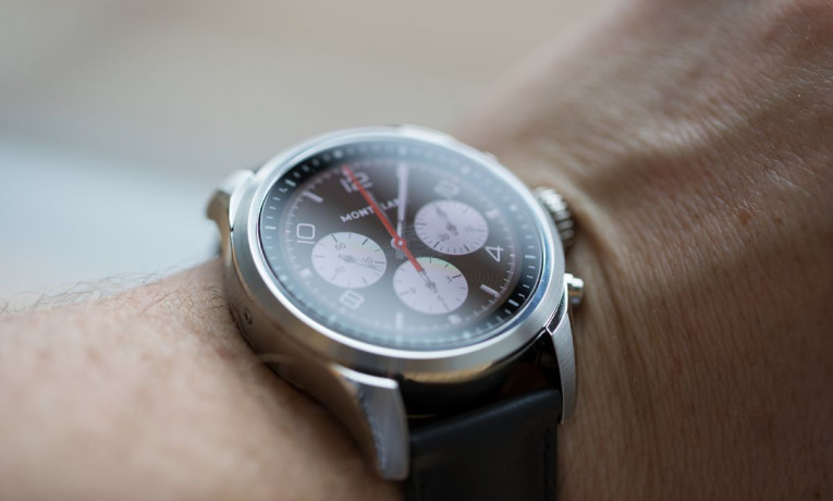 Hands on: Montblanc Summit 2 review