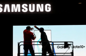 Samsung Poised to Benefit From China Coronavirus Woes Afflicting Apple, Other Rivals