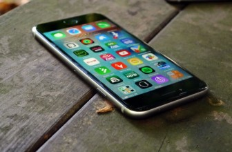 Apple may upgrade the screen of next year's iPhone 7S in a major way