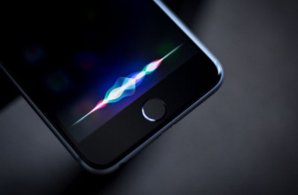 Is Siri continuing to listen in despite Apple's apology?