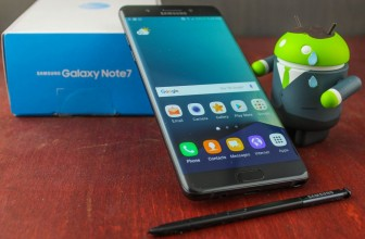 Replacement Galaxy Note 7 starts smoking, leads to plane evacuation