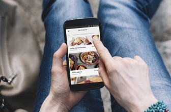 Uber's food delivery app starts carting cuisine in the US