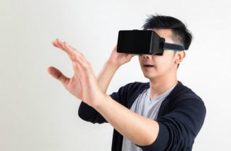 Samsung developing a standalone VR headset that won't need to be connected to a smartphone